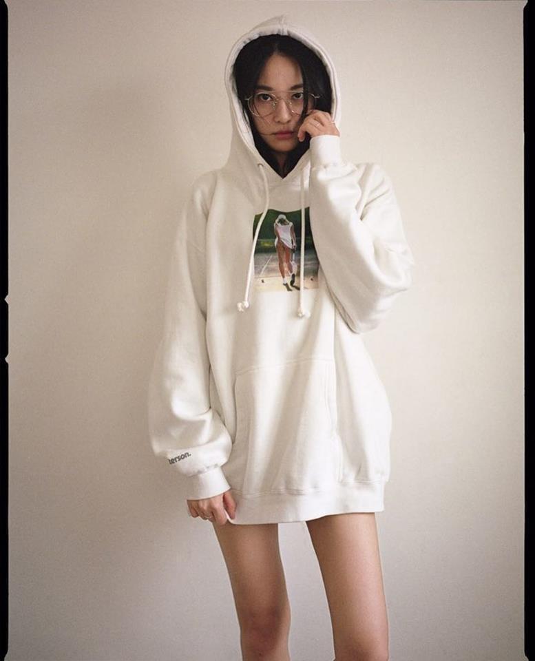 Khác hẳn vẻ nổi loạn của thủ lĩnh Big Bang, bạn gái G-Dragon chuộng style giản dị không ngờ-4