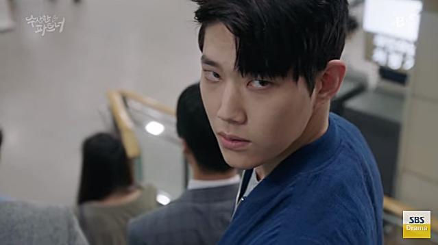 Những ác quỷ đội lốt người khiến khán giả ớn lạnh của màn ảnh Hàn năm 2017-3