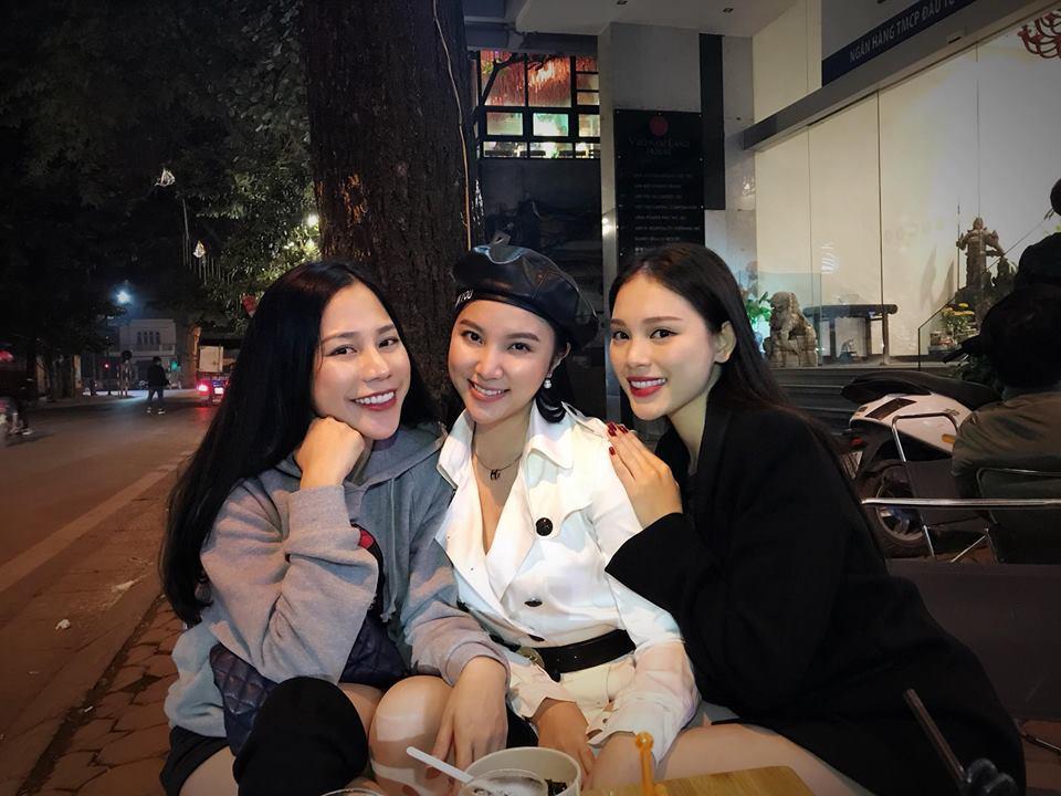 Hot girl - hot boy Việt: Phan Thành khoe ảnh ôm Xuân Thảo đêm giao thừa-4