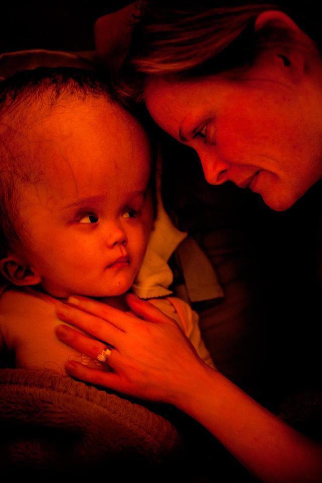 6 câu chuyện đặc biệt về những em bé lấy nước mắt cộng đồng mạng năm qua-6