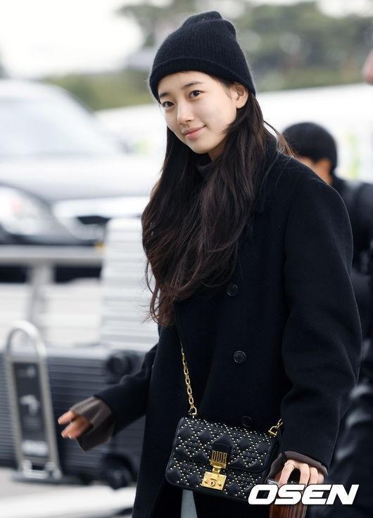 Sao Hàn 2/1: Sao nhí Kim Yoo Jung bất ngờ khoe vóc dáng đẫy đà, gợi cảm ở tuổi 18-10