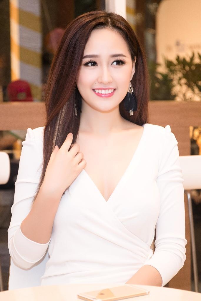 Vạ miệng về bão Damrey, Hoàng My rút khỏi vị trí Giám Khảo Hoa hậu Hoàn vũ Việt Nam 2017-2