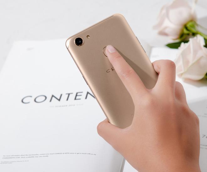 Mẫu smartphone có màn hình tràn viền đáng mua nhất đầu 2018-4