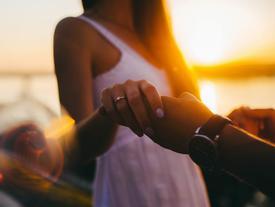 Bằng 5 cách này, bạn sẽ không lo người yêu mình một ngày đẹp trời chạy mất đi đâu