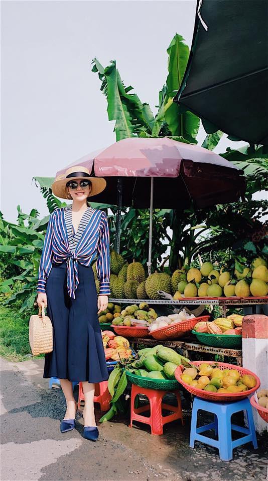 Phạm Hương khoe street style cá tính nổi bật trước khi trao lại vương miện cho tân Hoa hậu-4