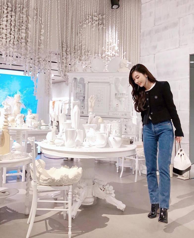 HyunA sexy váy ngắn cũn - Park Shin Hye giản dị đẹp bất chấp nổi nhất street style sao Hàn-4