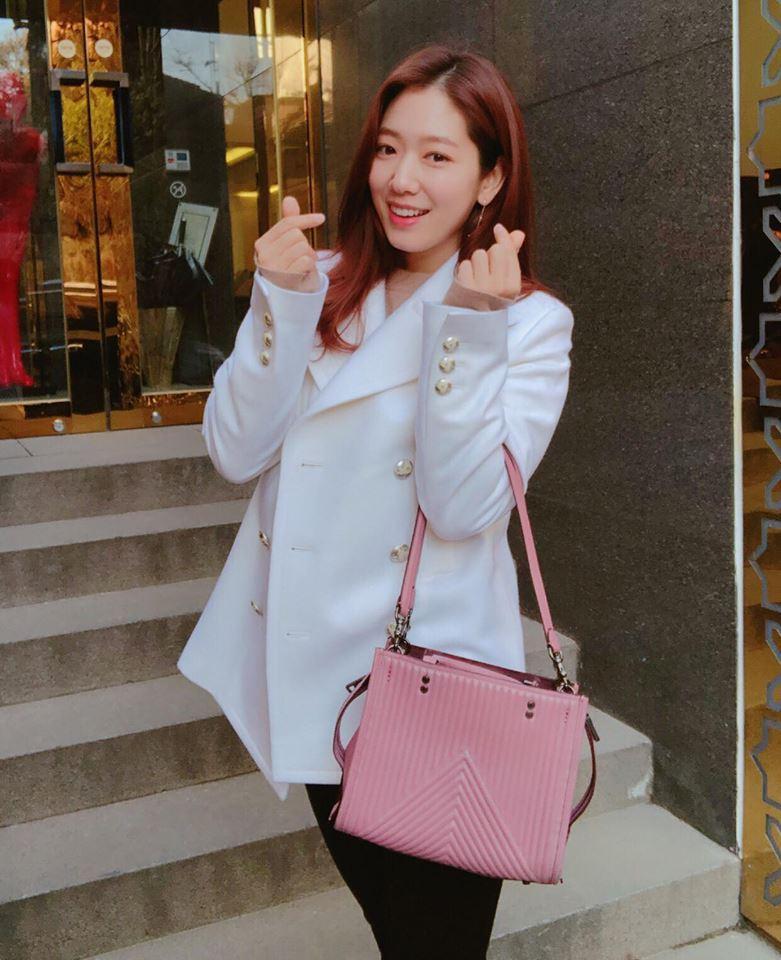 HyunA sexy váy ngắn cũn - Park Shin Hye giản dị đẹp bất chấp nổi nhất street style sao Hàn-9