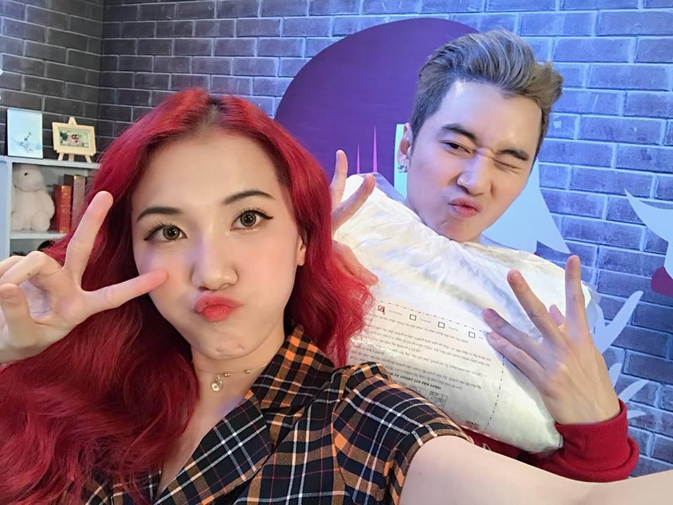 Hot girl - hot boy Việt: Khánh Vy ăn mừng bản mashup 3 hit của Chi Pu bằng tiếng Anh đạt view khủng-1
