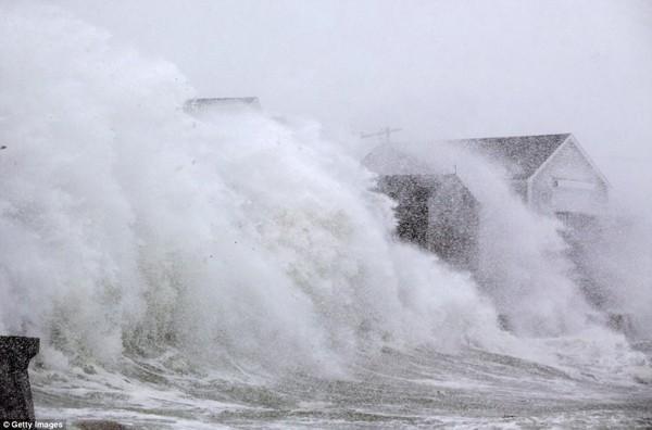 Hình ảnh kinh hoàng khiến ai nhìn cũng sợ hãi trong trận bão khiến ít nhất 6 người chết-9