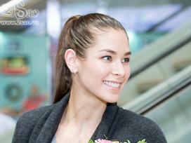 Sau 10 năm đăng quang Miss Universe, Dayana Mendoza vẫn rực rỡ ngày trở lại Việt Nam