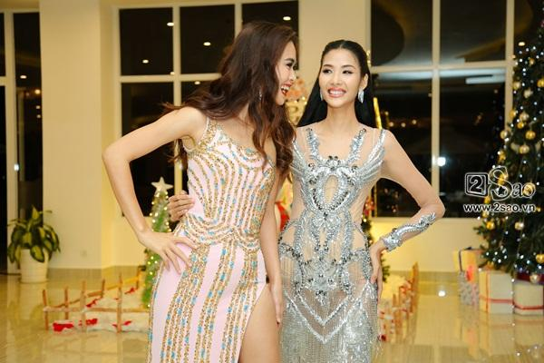 Sau scandal đá váy, Mâu Thủy và Lê Thu Trang bất ngờ chụp ảnh ôm eo thân thiết-5