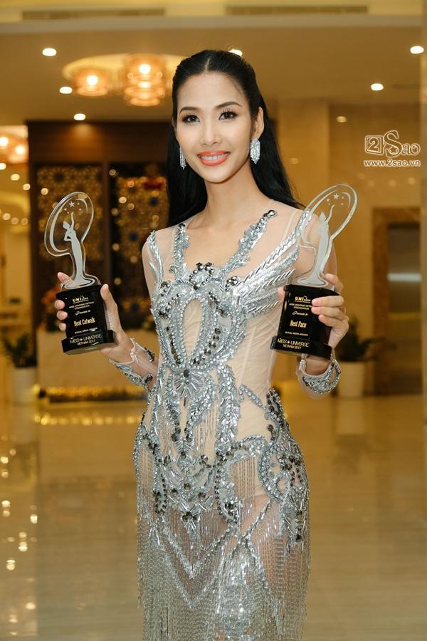 Sau scandal đá váy, Mâu Thủy và Lê Thu Trang bất ngờ chụp ảnh ôm eo thân thiết-6