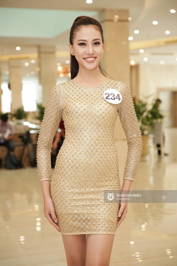 Đặt lên bàn cân nhan sắc 5 người đẹp được đánh giá giành ngôi cao nhất Hoa hậu Hoàn vũ Việt Nam 2017-10