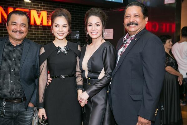 Nhật Kim Anh váy áo lộng lẫy được dàn trai đẹp vây quanh tại buổi ra mắt phim 18+-6