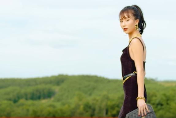 Clip: Học lỏm Quỳnh Anh Shyn gợi ý 5 set đồ phong cách retro - vintage xịn xò-5