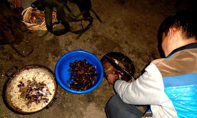 Lên Tả Phìn ăn… thịt chuột rừng gác bếp-1