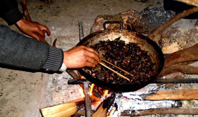 Lên Tả Phìn ăn… thịt chuột rừng gác bếp-3
