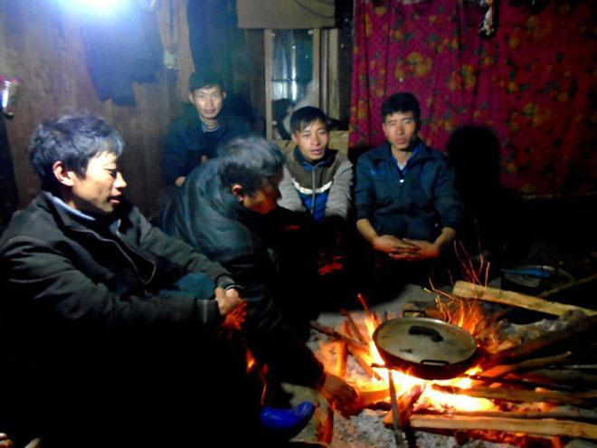 Lên Tả Phìn ăn… thịt chuột rừng gác bếp-4