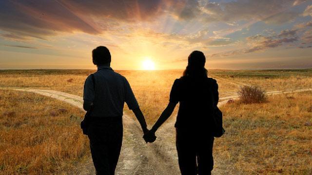 Bí quyết vàng cho các cặp đôi yêu lâu: Chỉ gặp nhau 2 lần mỗi tuần-1