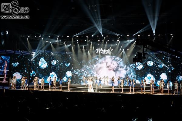 Dàn thí sinh Hoa hậu Hoàn vũ Việt Nam 2017 chào sân đầy khí thế-2
