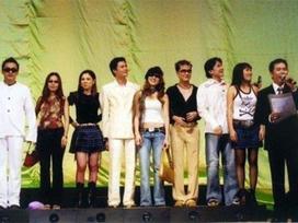 Bị BTC nhận xét không phải tên tuổi lớn, Thanh Thảo thấy may vì đã không bay về Việt Nam dự festival 20 năm 'Làn sóng xanh'