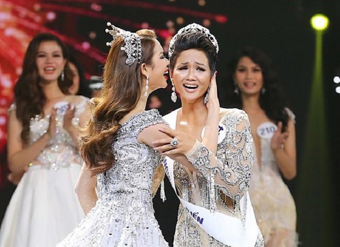 H'Hen Niê được Phan Anh khen hết lời cho ngôi vị Hoa hậu