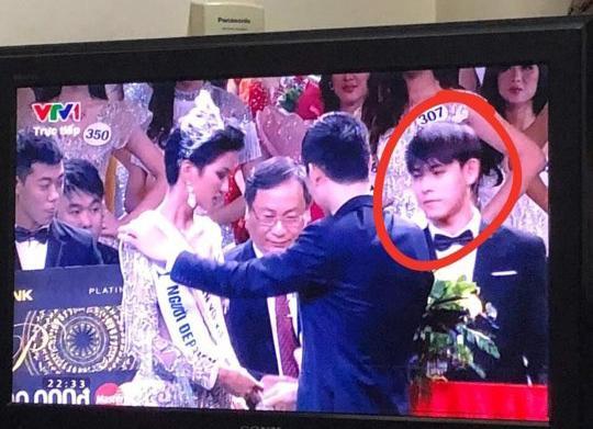 Danh tính trai đẹp 'sáng' nhất đêm chung kết cuộc thi Hoa hậu Hoàn vũ Việt Nam 2017-1