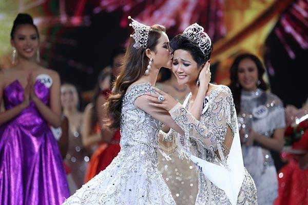 Mặt mộc của Tân Hoa hậu Hoàn vũ Việt Nam 2017-2