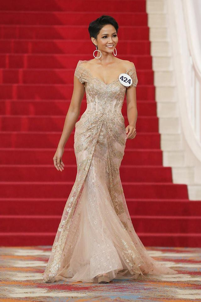 Những trang phục giúp HHen Niê tỏa sáng và chinh phục vương miện Hoa hậu Hoàn vũ Việt Nam 2017-6