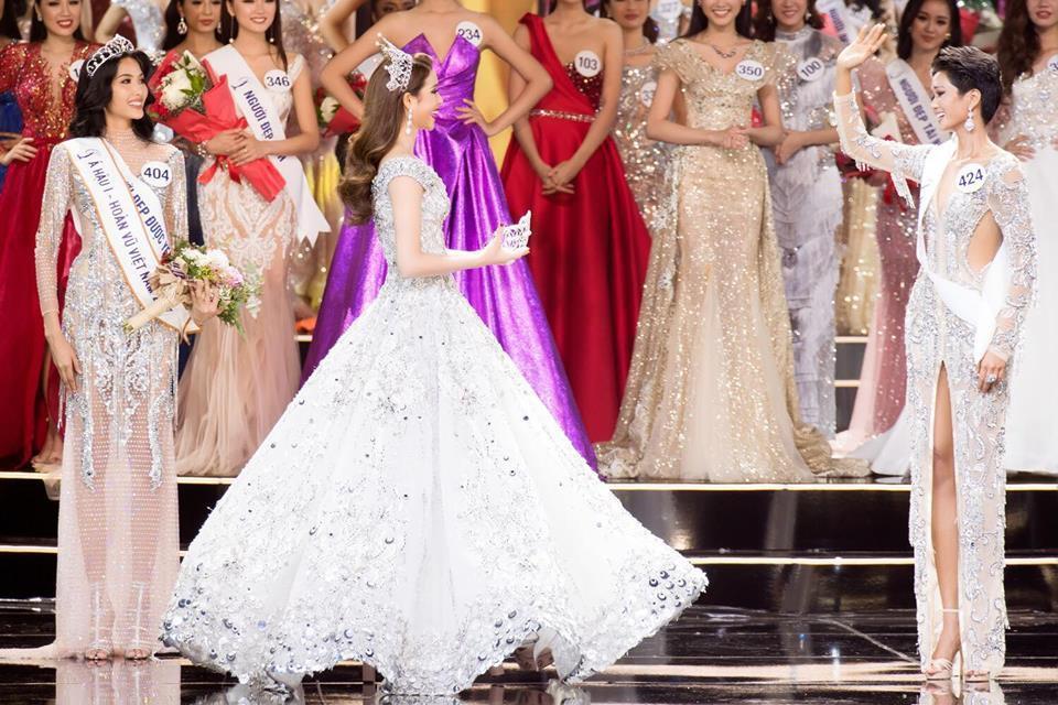 Hoa hậu Hoàn vũ Việt Nam xuất hiện nàng Lọ Lem, bạn có nhận ra đó là Phạm Hương?-2