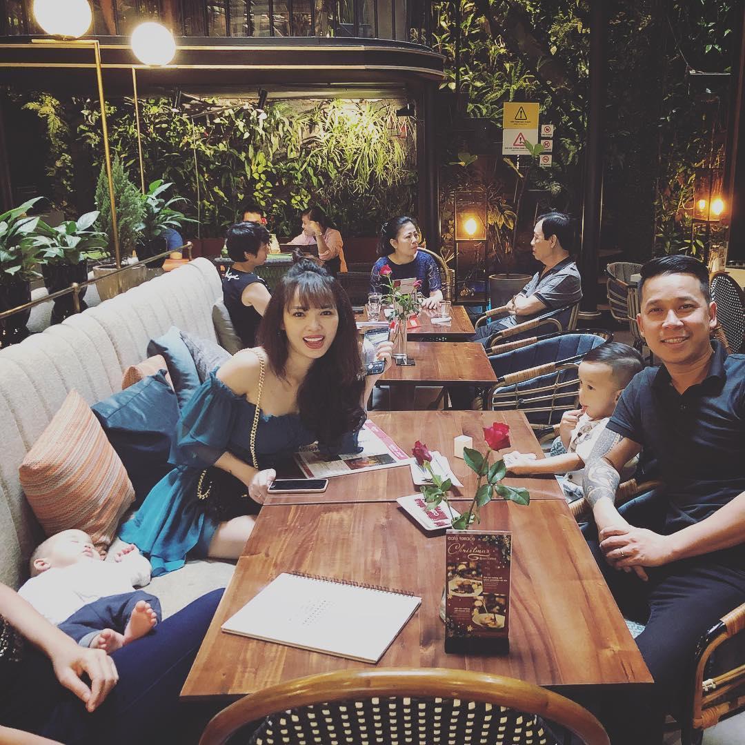 Tin sao Việt: Trương Ngọc Ánh biến dạng môi vì ăn uống-9