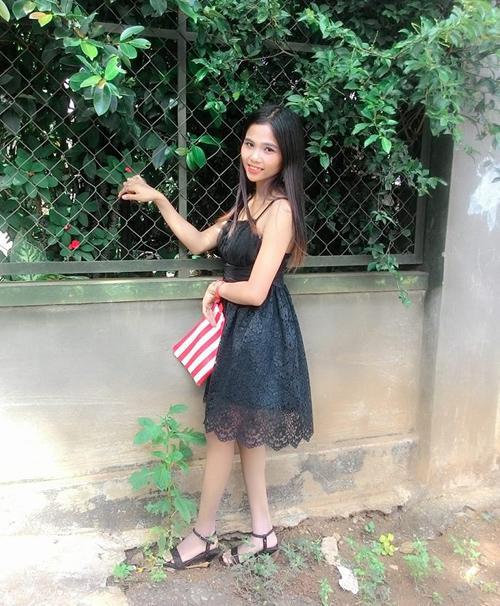 Chân dung cô em gái nhỏ nhắn, xinh xắn của em gái Hoa hậu Hoàn vũ Việt Nam 2017-3