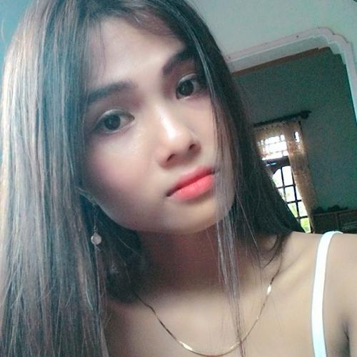 Chân dung cô em gái nhỏ nhắn, xinh xắn của em gái Hoa hậu Hoàn vũ Việt Nam 2017-6