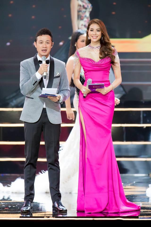 Những chiếc váy giúp Phạm Hương tỏa sáng từ khi bắt đầu đến lúc kết thúc Hoa hậu Hoàn vũ Việt Nam 2017-10