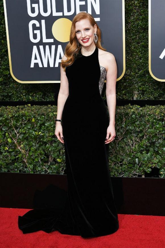 Angelina Jolie cùng dàn sao Hollywood nhuộm đen thảm đỏ Quả Cầu Vàng 2018-9