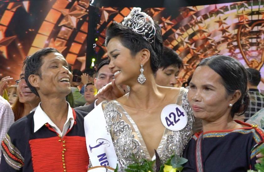 Phía sau vẻ gai góc của Tân Hoa hậu HHen Niê và bí mật hữu xạ tự nhiên hương khiến ngàn người yêu mến-4