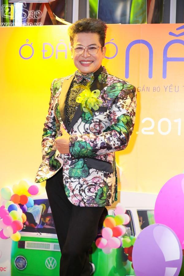 Lâm Khánh Chi diện áo dài đỏ rực nhưng lạc quẻ ở sự kiện-9