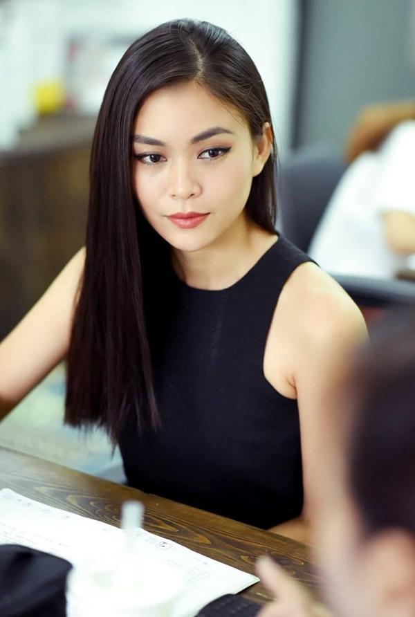Xuất thân nghèo khổ đến khó tin của 3 mỹ nhân đoạt ngôi cao nhất Hoa hậu Hoàn Vũ Việt Nam 2017-9