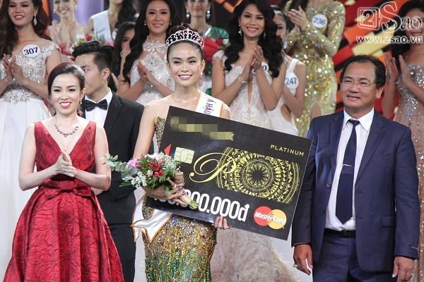Xuất thân nghèo khổ đến khó tin của 3 mỹ nhân đoạt ngôi cao nhất Hoa hậu Hoàn Vũ Việt Nam 2017-13