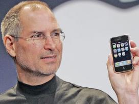 Apple liên tục 'tự bắn vào chân' dưới thời CEO Tim Cook