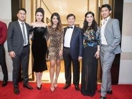Tú Anh công khai xuất hiện cùng gia đình Phillip Nguyễn giữa tin đồn hẹn hò