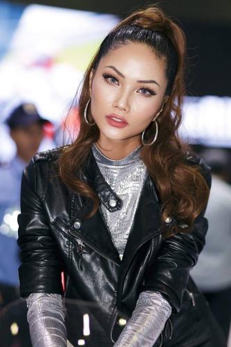 Tân Hoa hậu Hoàn Vũ HHen Niê sau đêm đăng quang làm ơn để ngay tóc dài!-9