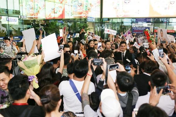 Xuất hiện tại sân bay, hoa hậu HHen Niê được chào đón nồng nhiệt như sao Hàn-5