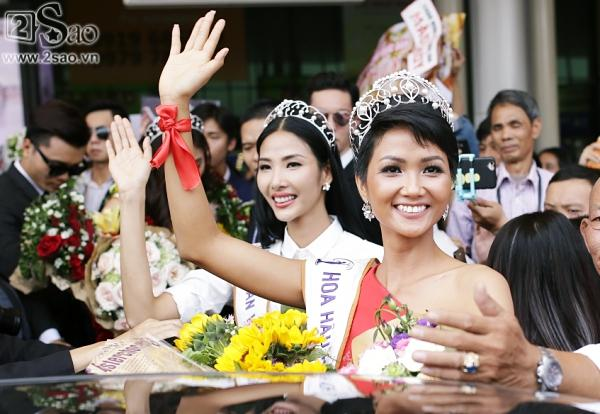 Xuất hiện tại sân bay, hoa hậu HHen Niê được chào đón nồng nhiệt như sao Hàn-8