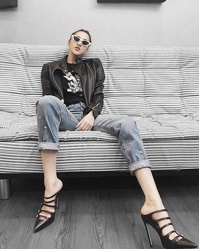 Angela Phương Trinh sến sẩm - Kỳ Duyên khoe lưng trần gợi cảm nổi bật nhất street style tuần mới-5