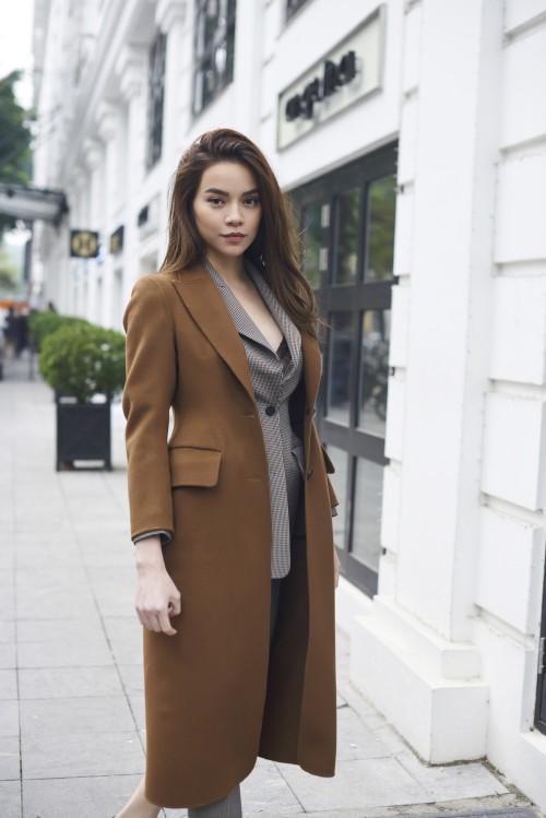 Hà Nội rét 10 độ, Hà Hồ diện 3 áo khoác ngàn đô tự tin thả dáng-7