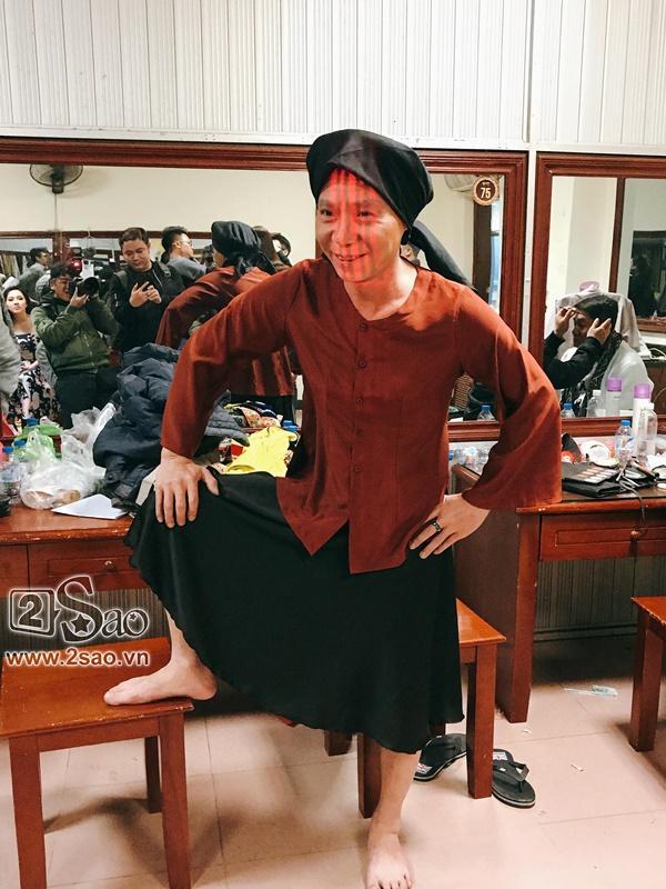 Hậu trường Gala Cười 2018: Công Lý hóa bà lão quê mùa, Vân Dung lộng lẫy váy áo-1