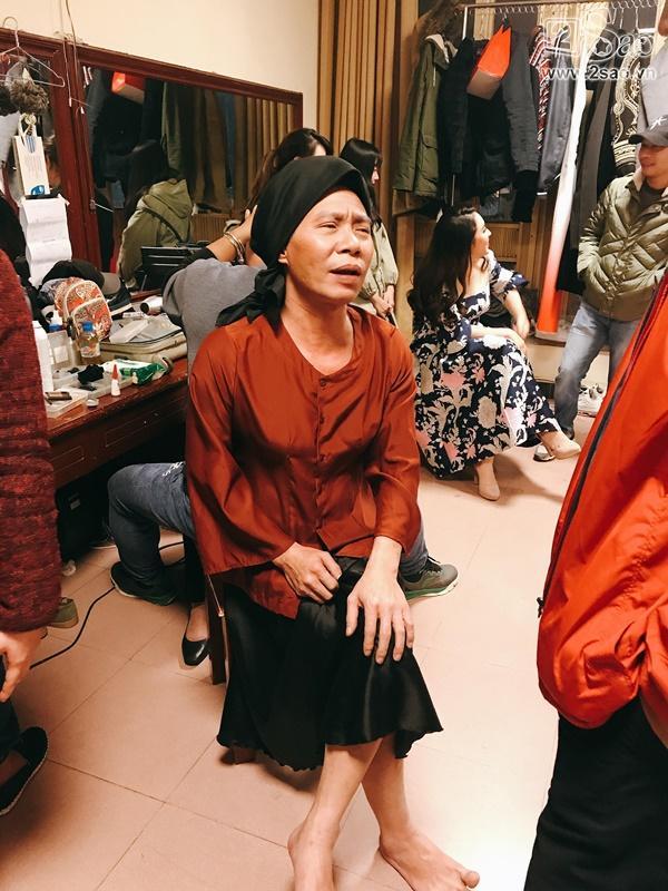 Hậu trường Gala Cười 2018: Công Lý hóa bà lão quê mùa, Vân Dung lộng lẫy váy áo-2