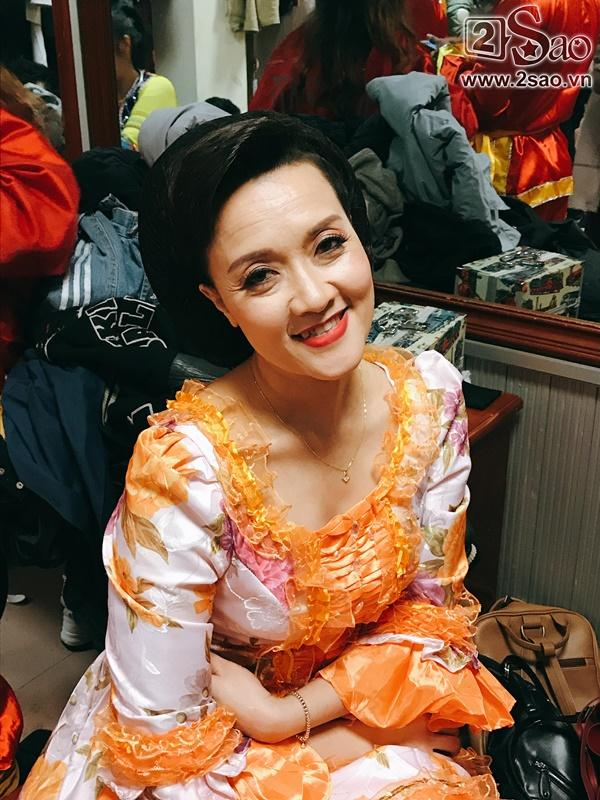Hậu trường Gala Cười 2018: Công Lý hóa bà lão quê mùa, Vân Dung lộng lẫy váy áo-9