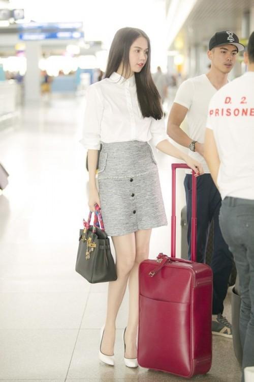Ngọc Trinh chi 160 triệu đồng tậu vali cực chất của Chanel-4